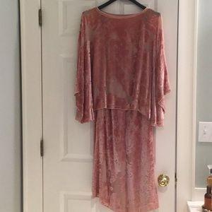 Exquisite silk cut velvet 2 piece dusty rose gown.